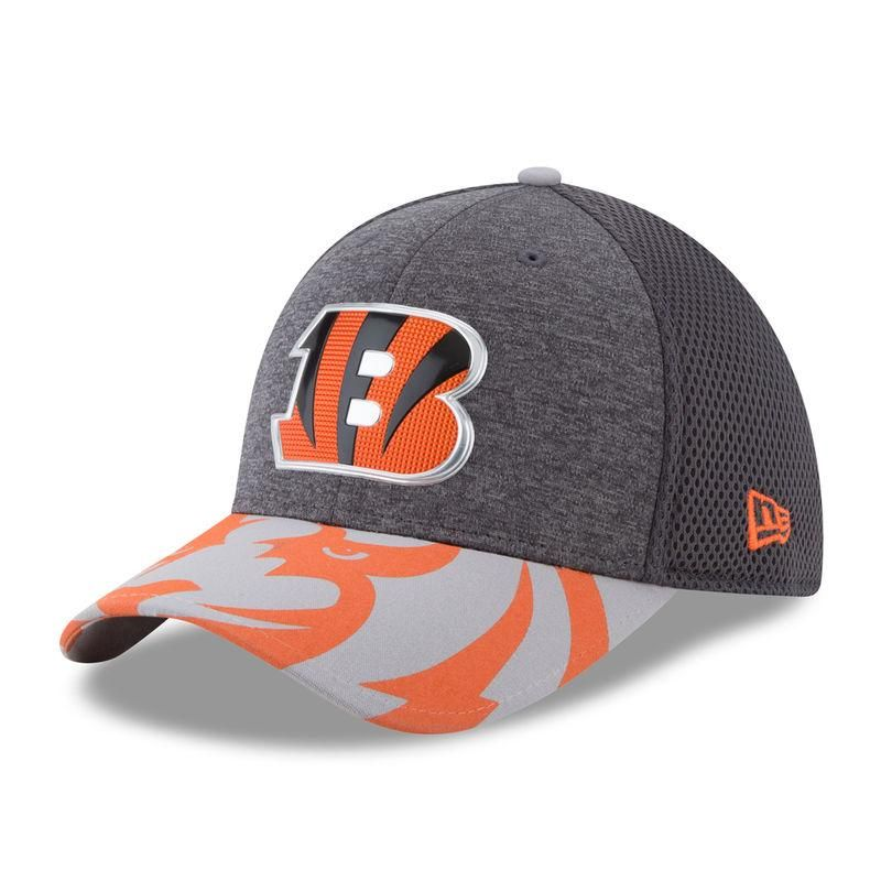 b8e3d25aa Cincinnati Bengals New Era 2017 NFL Draft Spotlight Flex Hat - Graphite