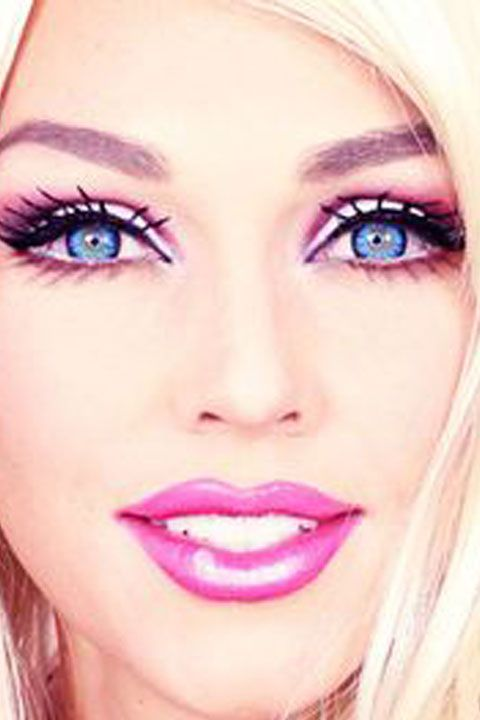 5 Amazing Barbie Makeup Tutorials You Have to Try This Halloween - maquillaje natural de dia