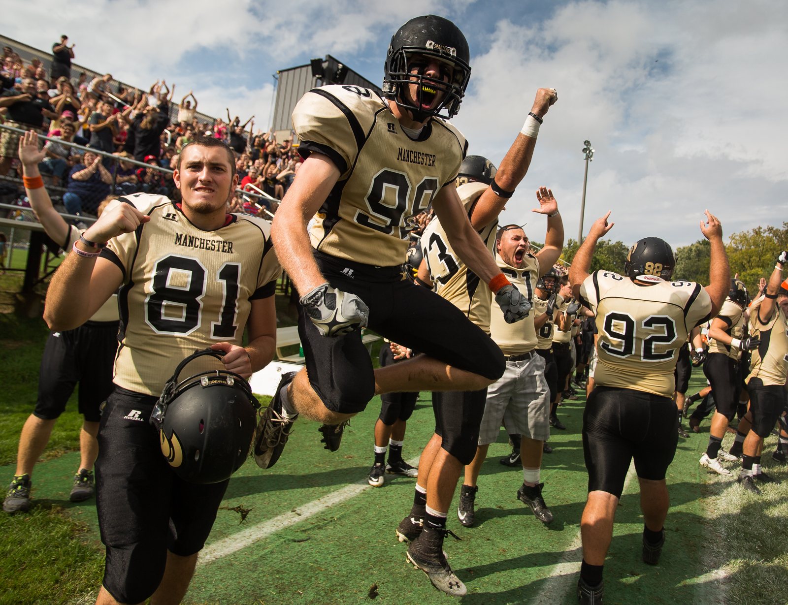 Manchester University Defeated Bluffton University 34 7 At The Homecoming Game Manchester Homecoming Games Athlete