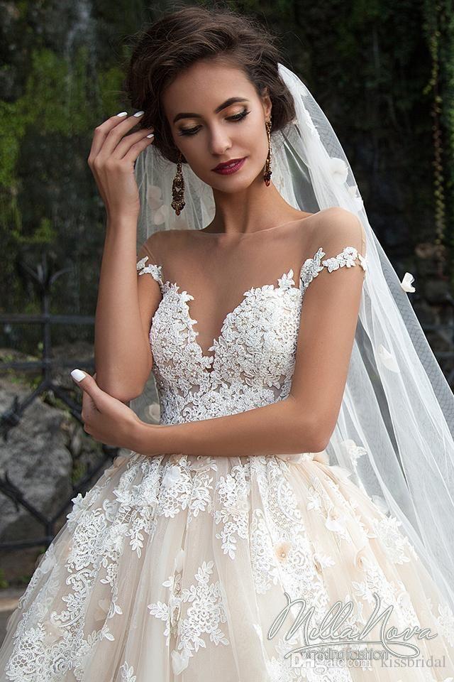 Erstaunliche 2016 Brautkleider Sheer Rundhalsausschnitt Perlen 3D ...