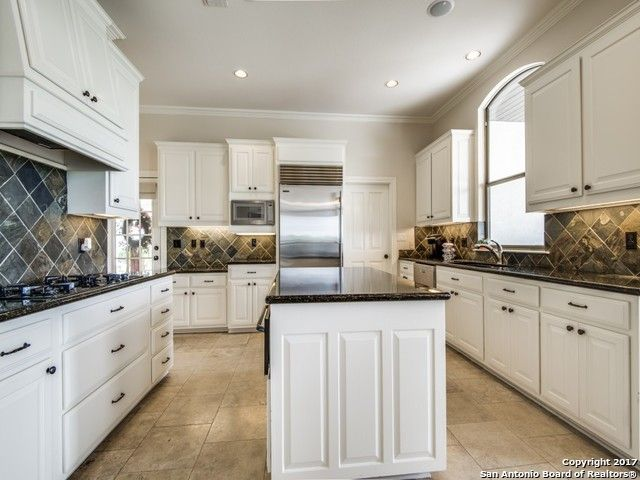 5 bed 4 bath in San Antonio Texas (With images)   Kitchen ...