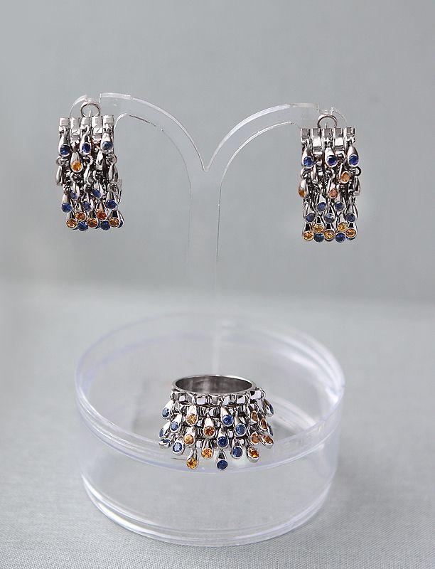 0494d08fe288 Комплект с подвижными камнями из белого золота. Сапфиры  желтые и голубые  Серьги  золото