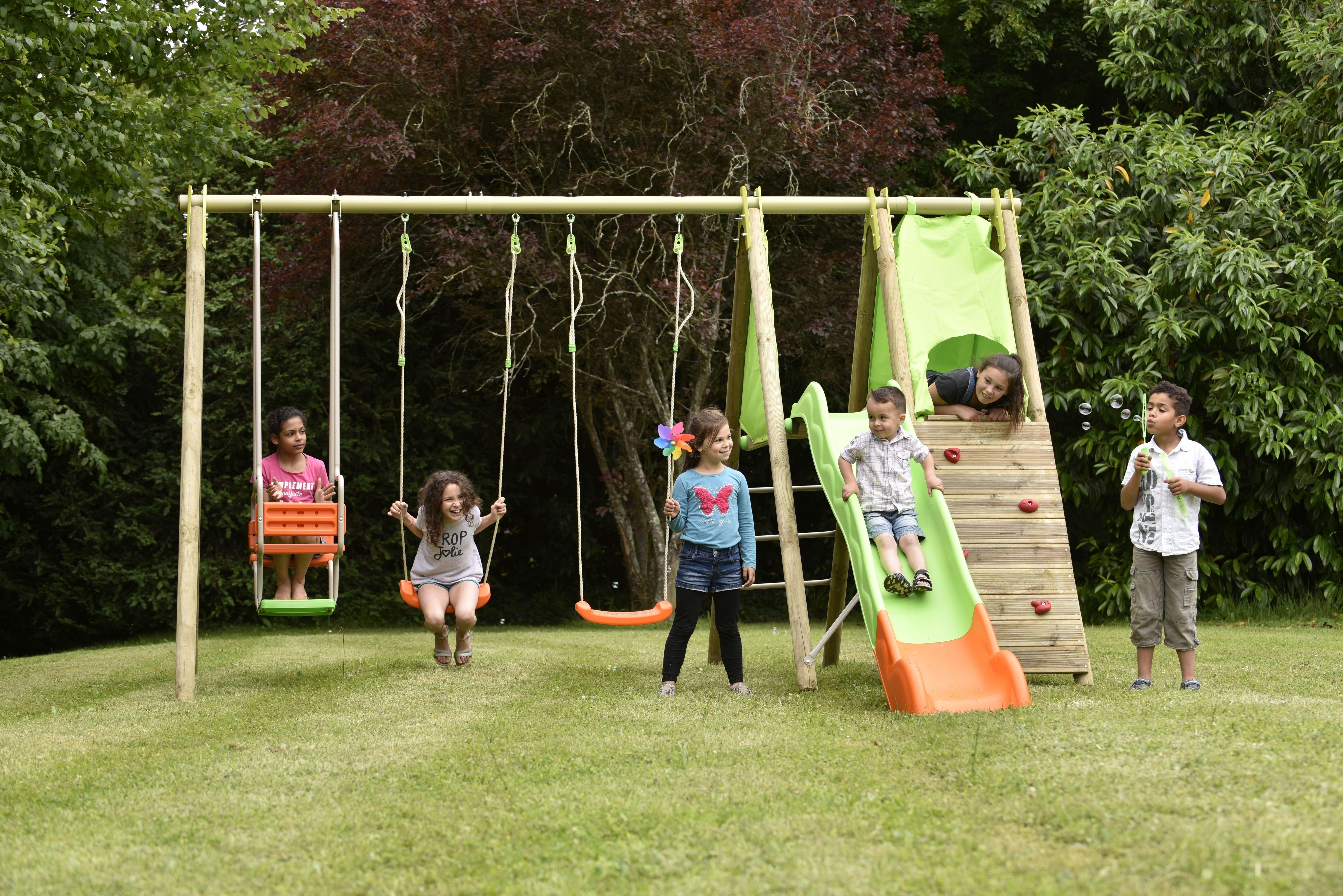 Trigano Jardin Portique En Bois Kalpa Triganojardin Jardin Madeinfrance Jeu Pleinair Enfant Exteri Jeux En Bois Exterieur Portique Piscine Pour Enfant