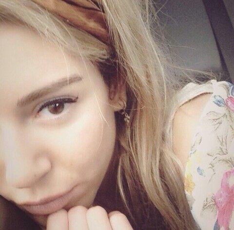 Nadine Hany Adli Kullanicinin Sinem Kobal Panosundaki Pin Selena Instagram