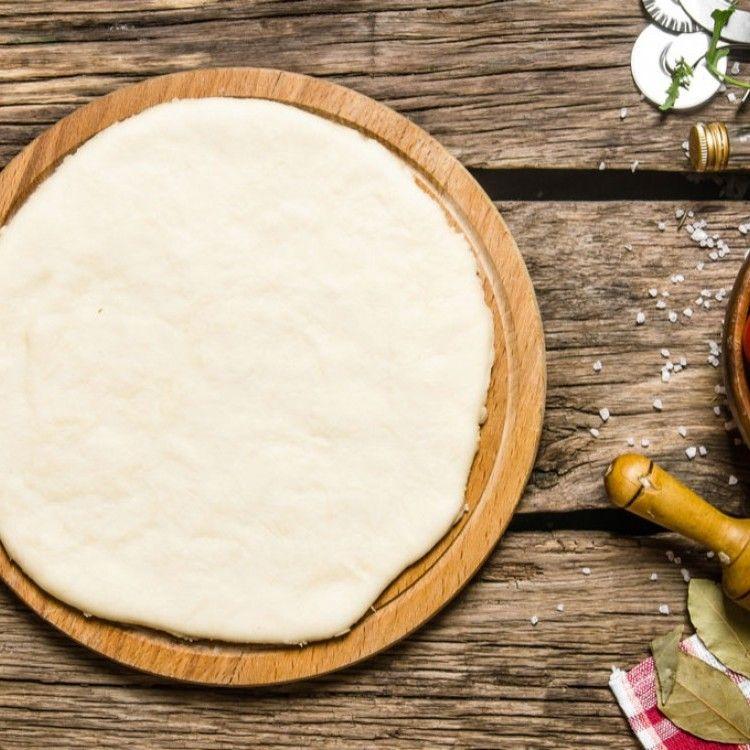 طريقة عمل عجينة البيتزا الرقيقة المقبلات البيتزا Pate Pizza Desserts Food