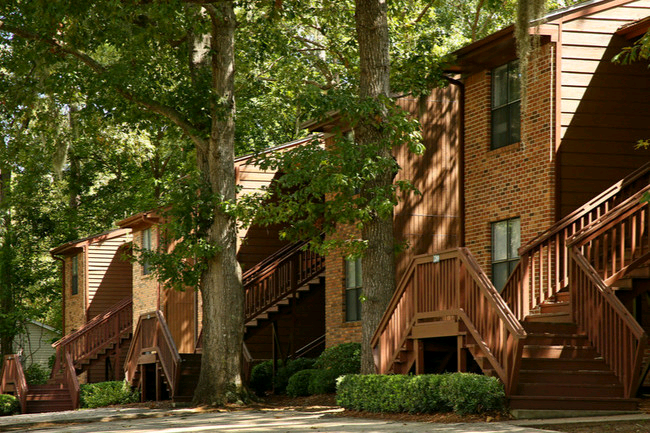 Crescentskyrealestate Partners Acquires Castle Apartments In Tallahassee Tallahassee Reports Multif Tallahassee Multifamily Property Management Real Estate
