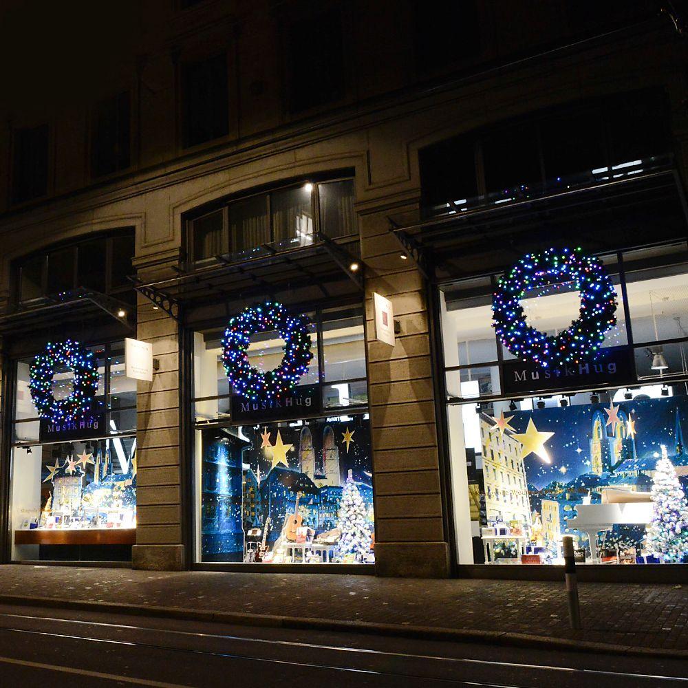 Schaufenstergestaltung wie bringt man weihnachten zum for Raumgestaltung einzelhandel