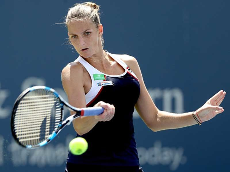 Defending Champion Karolina Pliskova Solidified Her World Number One Ranking Friday By Defeating Fifth Ranked Caroline Woznia Cincinnati Camila Giorgi To Reach