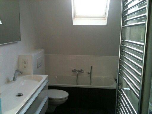 Badkamer Ventilator Dak : Badkamer schuin dak badkamer boven pinterest badkamer