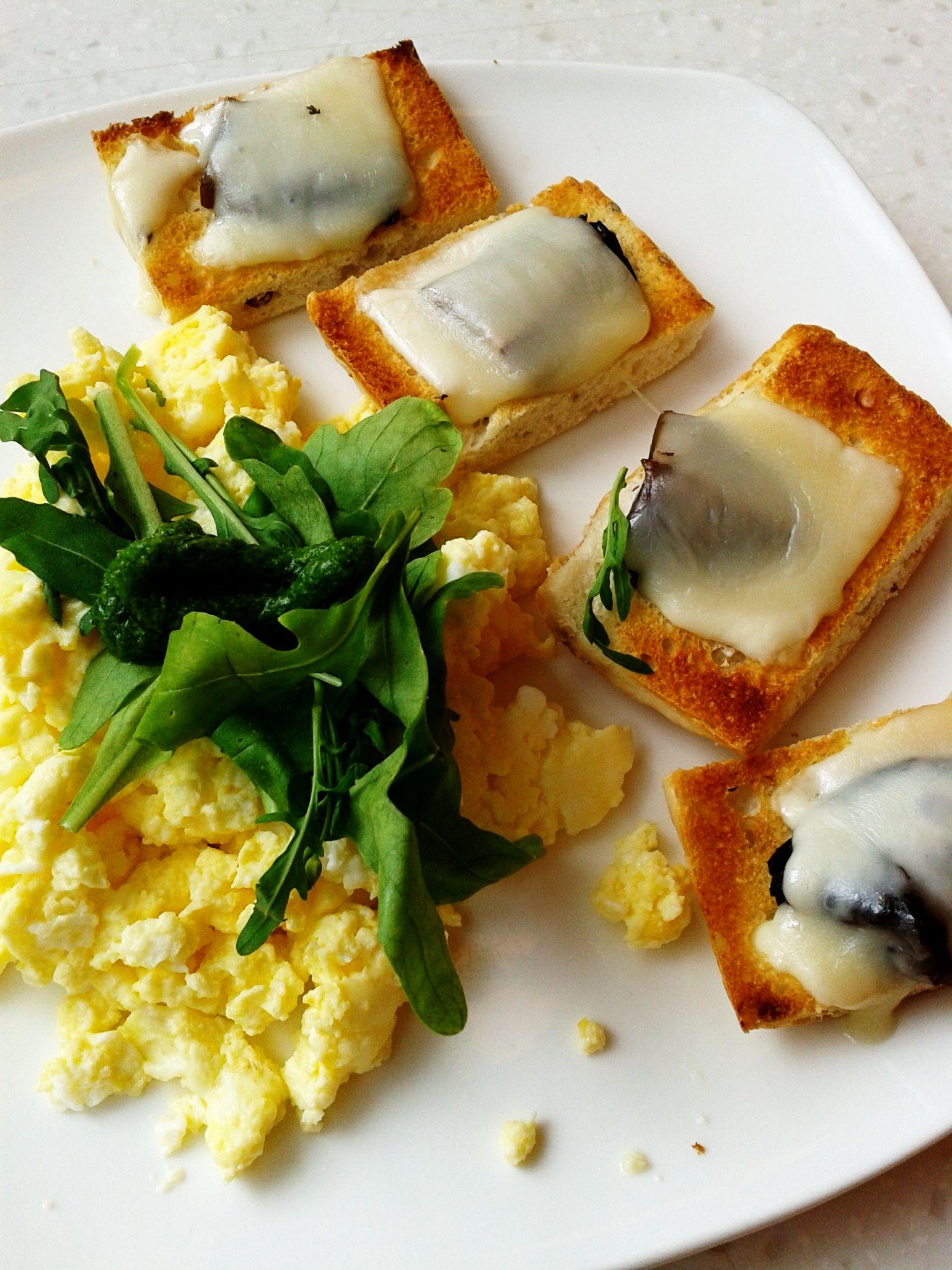 Mushroom Brucetta for Breakfast