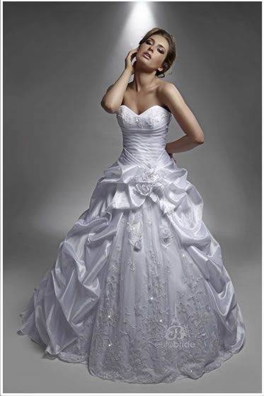 I tried this on today the lace at the bottem works but the meringue poofles are definetly not my thing