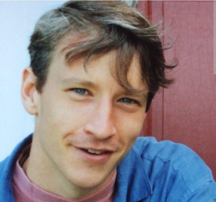 Anderson Cooper, age 20-21 | Anderson cooper, Celebrities ...