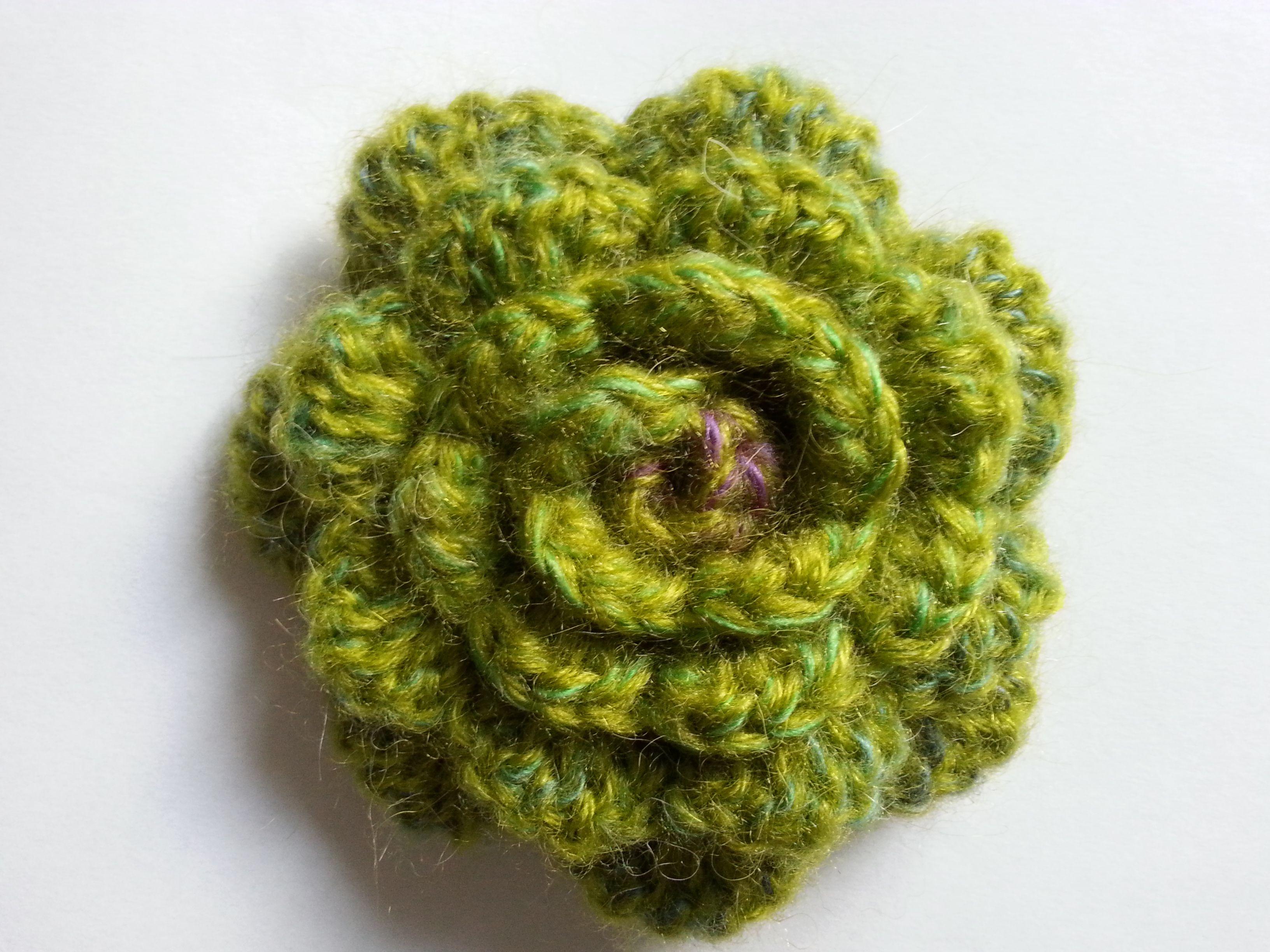 szydełkowa róża, broszka,crochet rose brooch, video tutorial ...