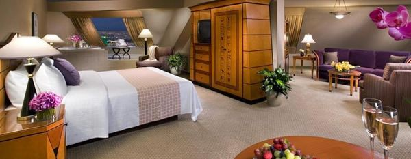Pyramid Suite Luxor Las Vegas This One Is Within My Price Range Delectable Luxor One Bedroom Luxury Suite Ideas Design