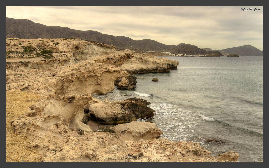 Acantilados en Los Escullos (Níjar - Almería)