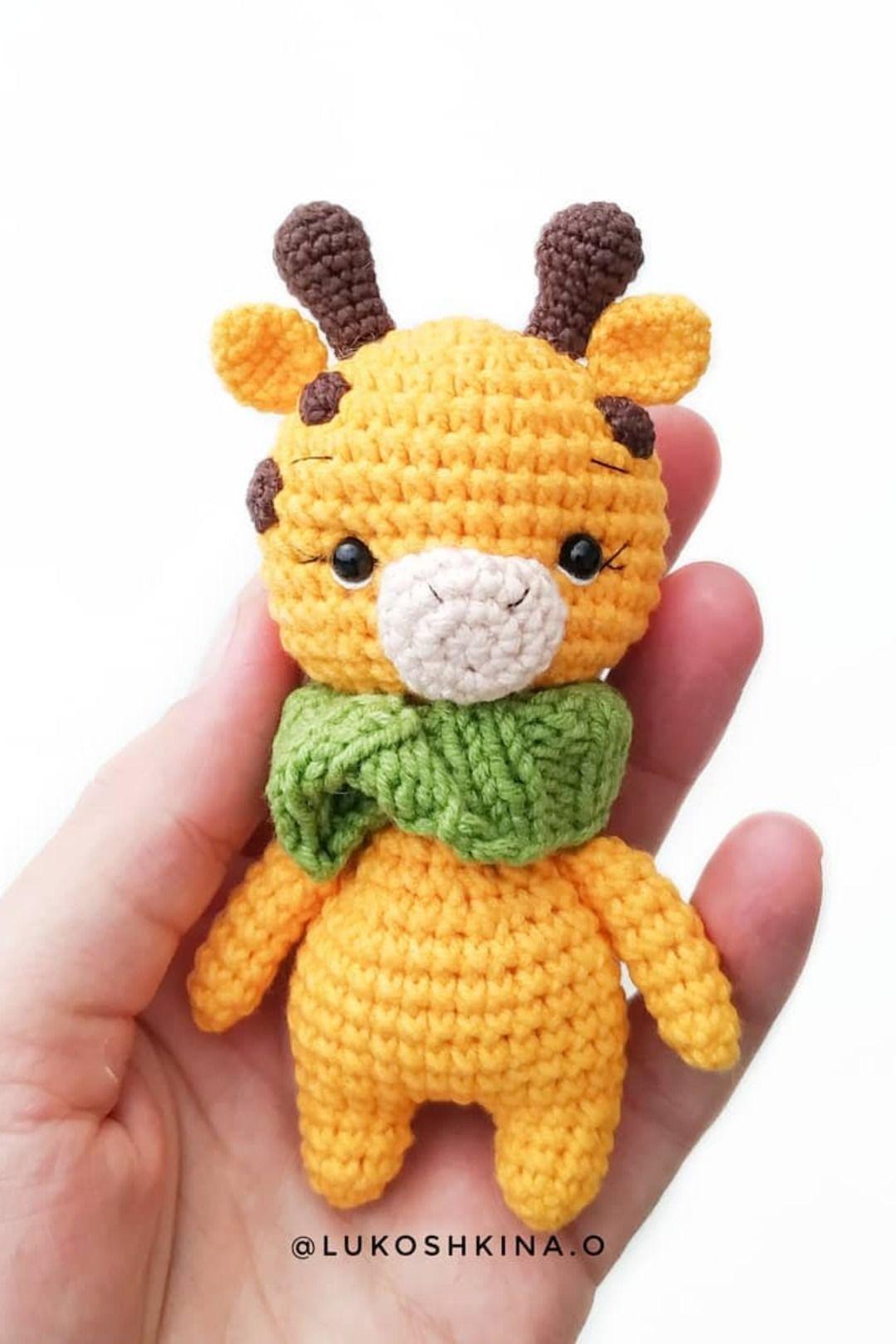 Hearty Giraffe amigurumi pattern - Amigurumi Today | 1620x1080