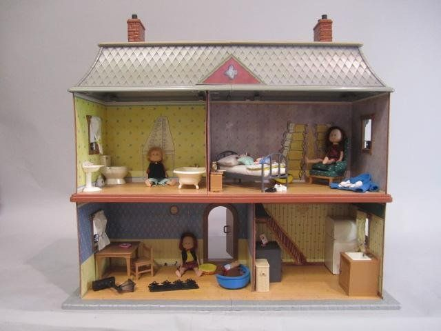 Delightful 333: D18 4 MADELINE DOLL HOUSE W/ DOLLS U0026 ACCESSORIES