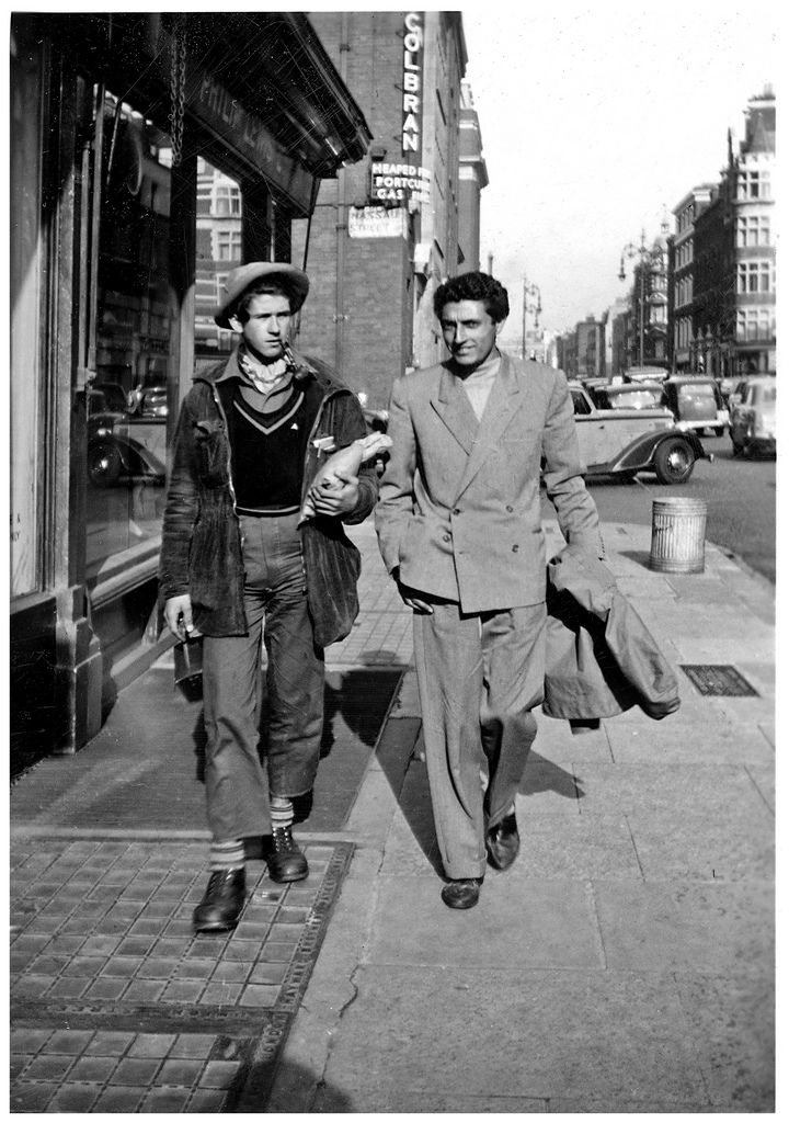 Nassau Street Fitzrovia London In 1953 Vintage London London Black White Photos