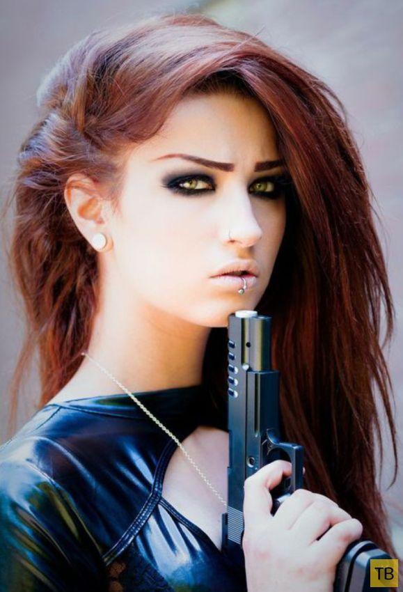 Поздравления мужчине, крутые картинки девушка с пистолетом