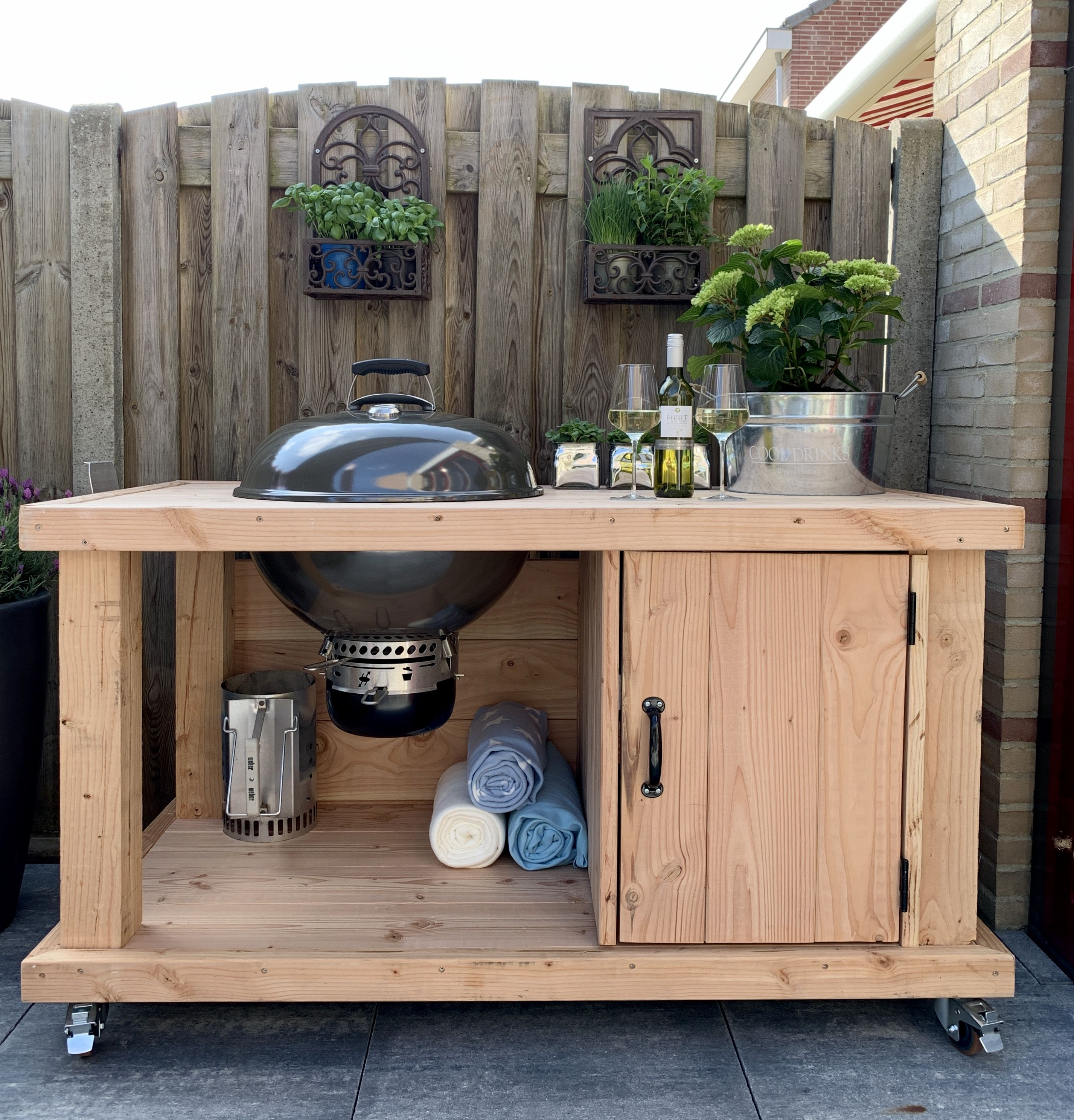 Handmade Mobile Outdoor Kitchen with a Weber Master Touch