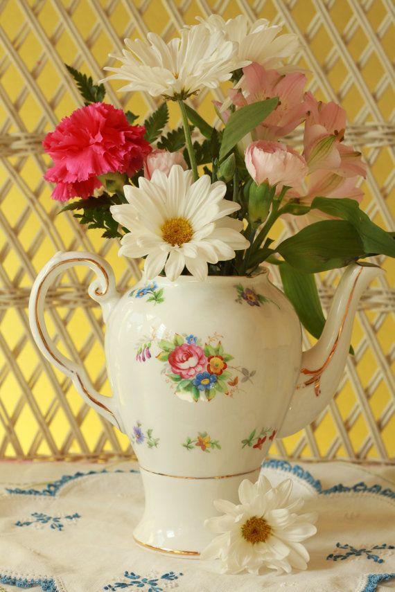 Tetera con flores