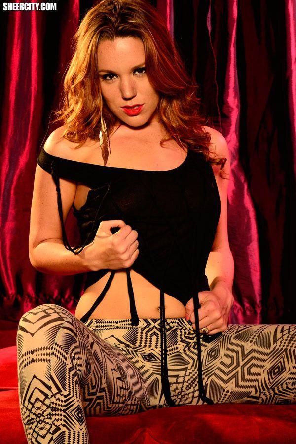 Lizzie Tucker Glamorous