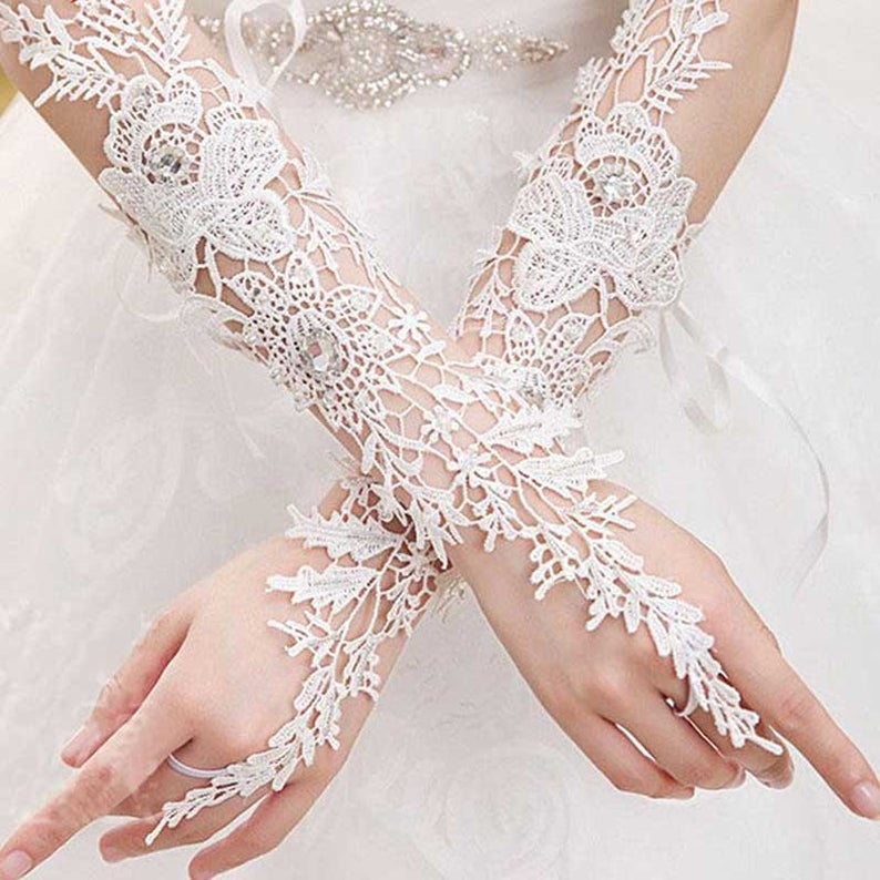 Bride Fingerless White Beading Glove Bridal Lace Wedding Gloves Accessories
