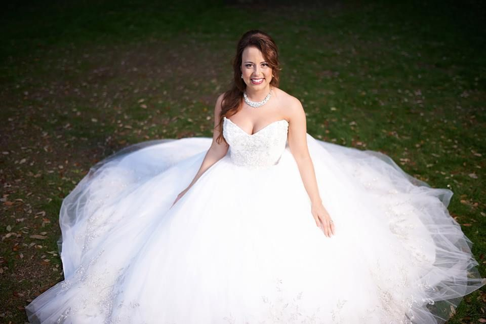 bridal portraits - ballgown Casablanca 2077