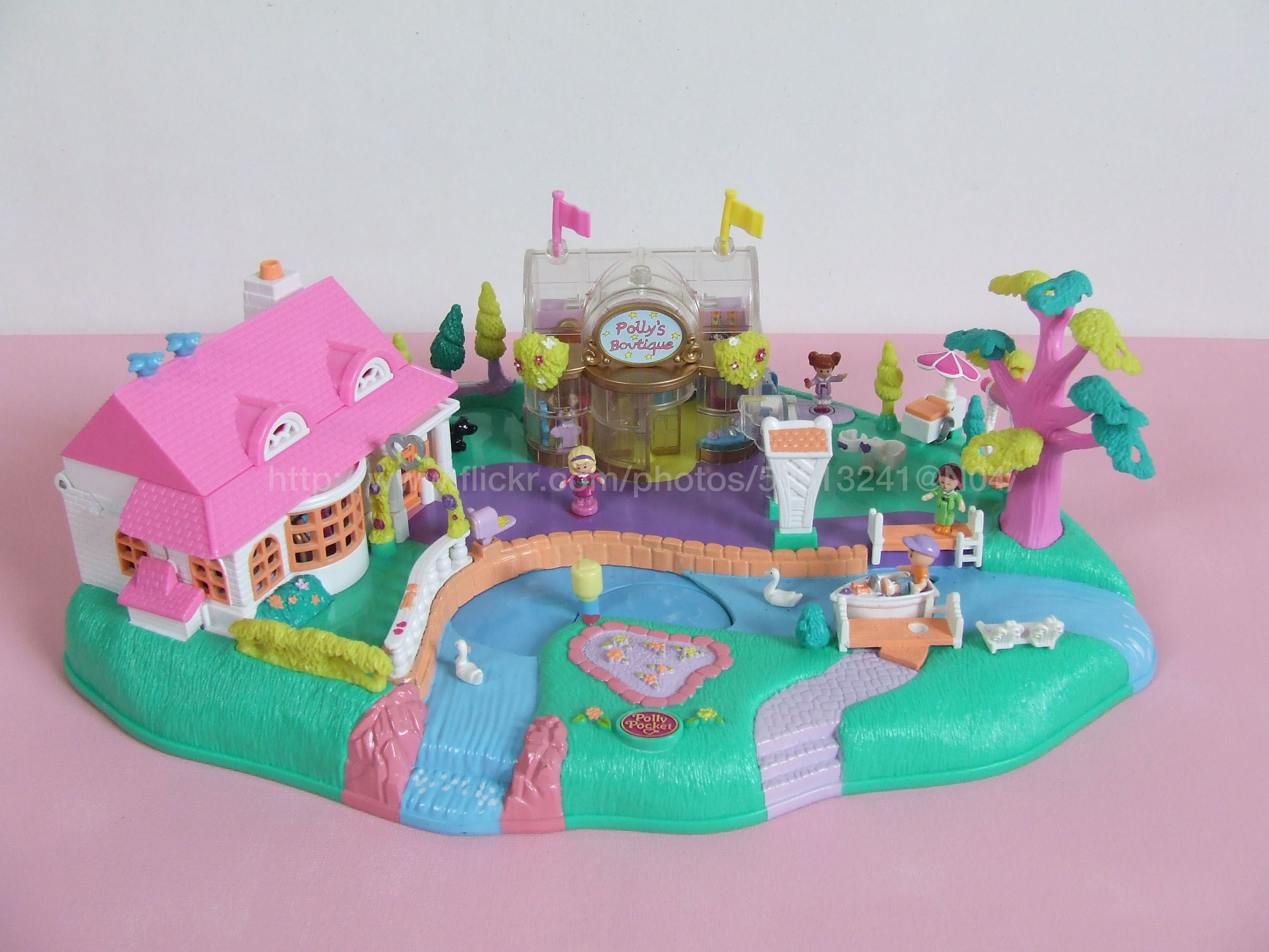 Polly Pocket Magical Movin Pollyville 1996 ly one of my