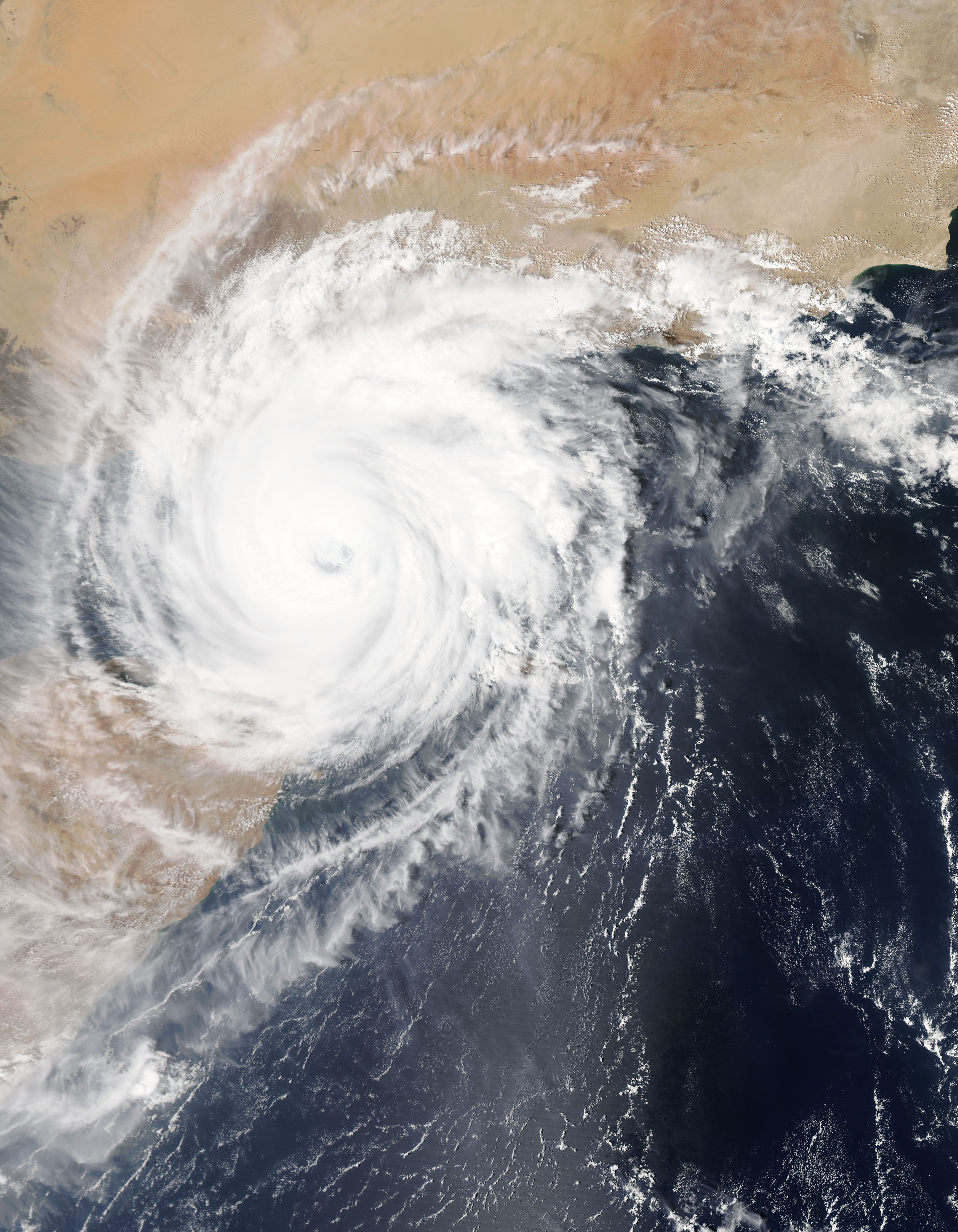 Tropical Cyclone Chapala Over The Gulf Of Aden Hurricane Facts Image Of The Day Nasa Images