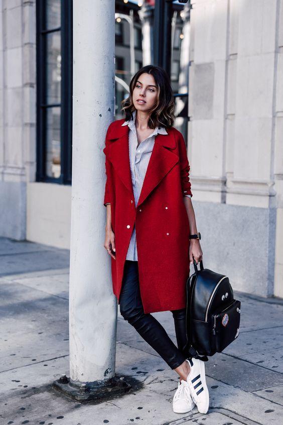 Como combinar una abrigo rojo