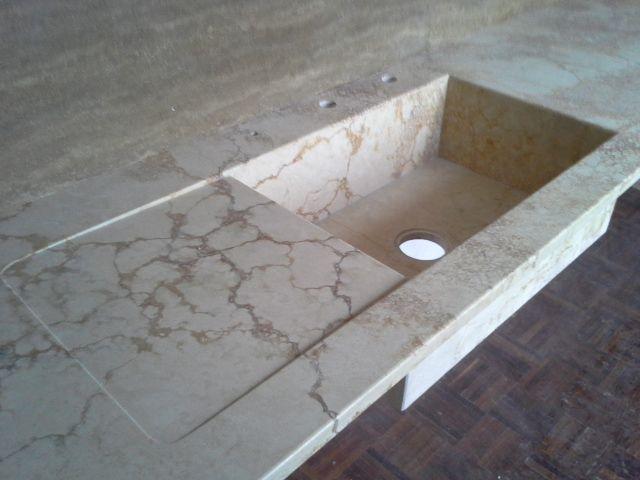 Piano Cucina In Marmo Travertino.Lavello Scatolare In Travertino Piani Cucina E Top In Marmo Quarzo