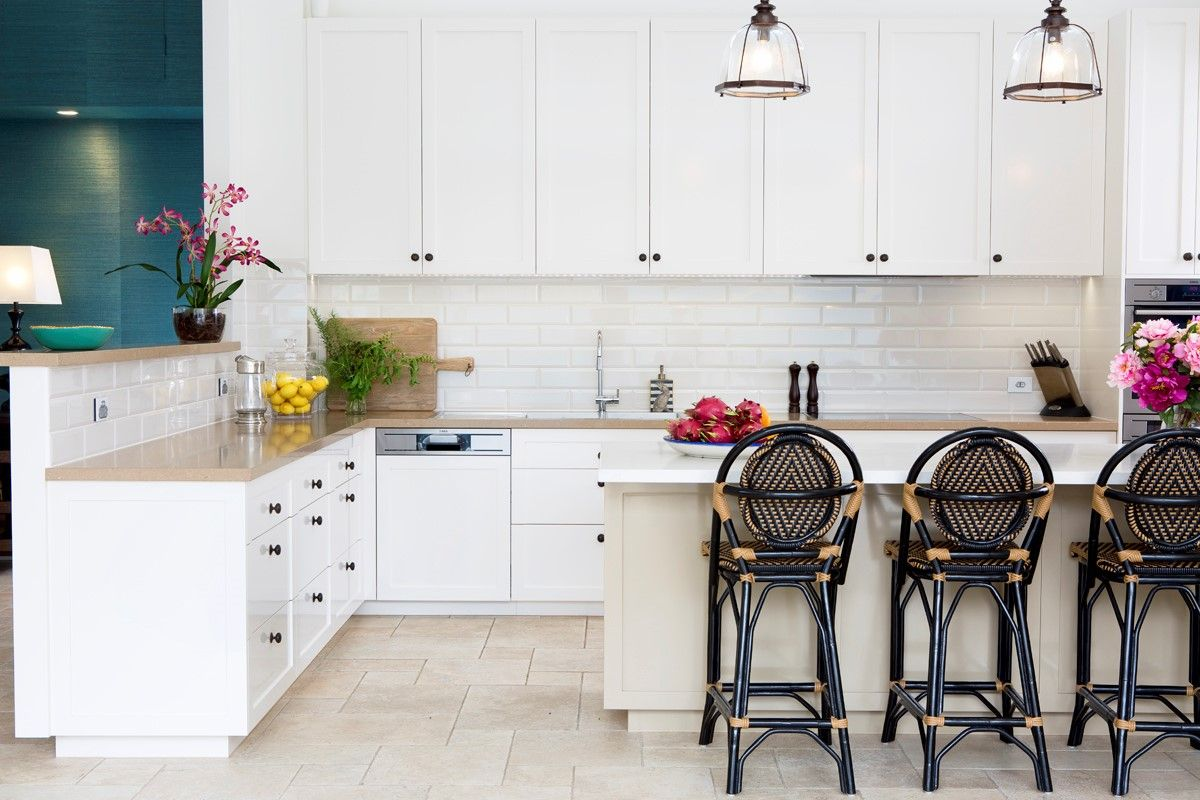 Beautiful kitchen in white 2pac featuring contrasting colours on the ...