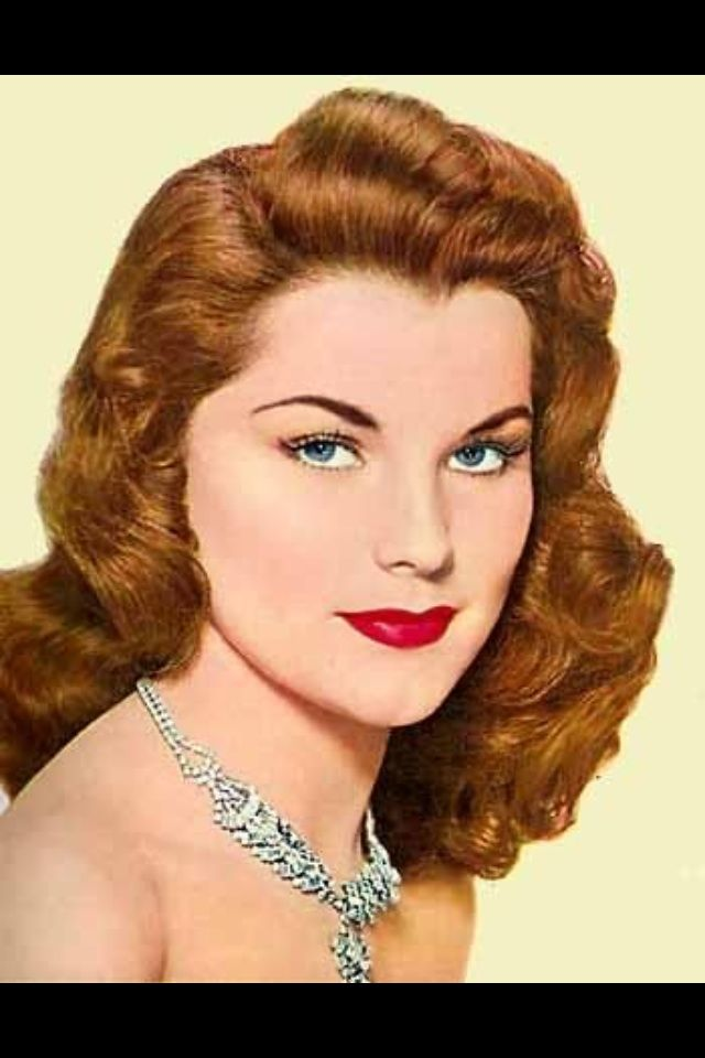 Pin By Nora Davie On 1950s Vintage Hairstyles 1950s Hair And Makeup 50s Hairstyles