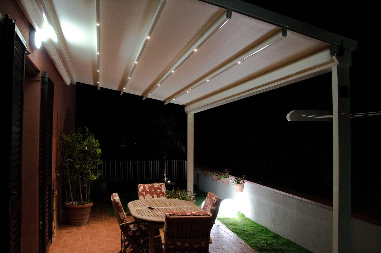 Pergola Arquati FLAG con luci led design outdoor