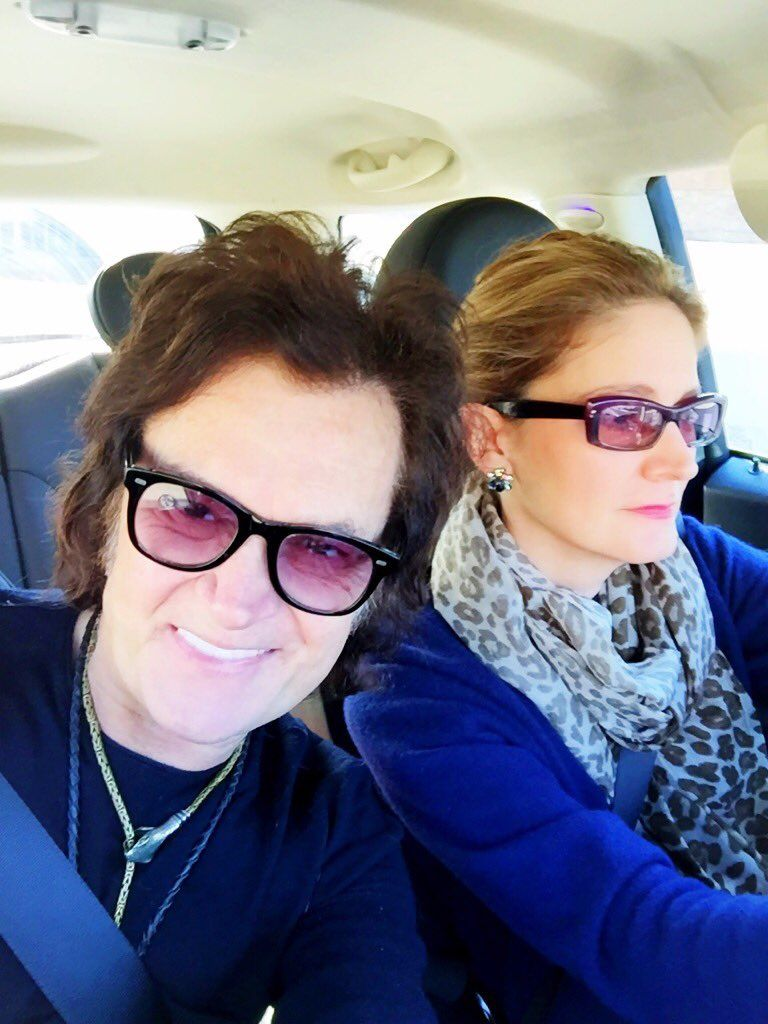 The Hughes's off to Beverly Hills to our fave Saturday hang ~ today is the first time I left the house since knee op...