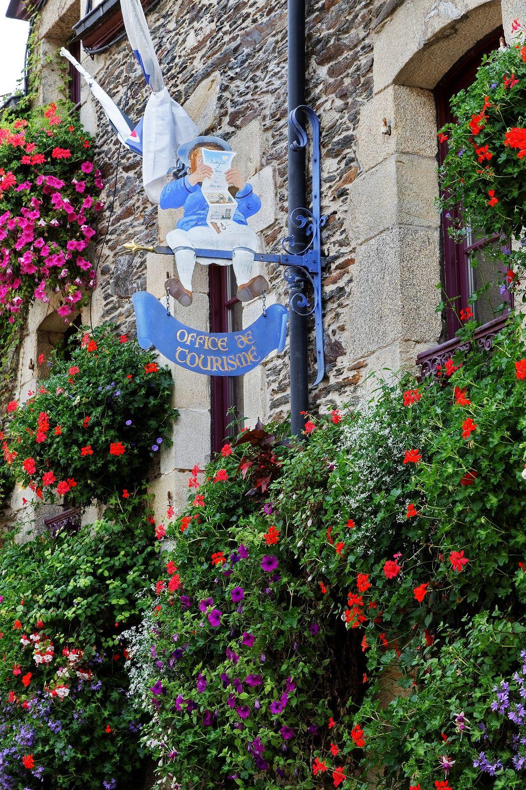 Rochefort en terre morbihan rochefort en terre pinterest france bretagne et wonders of - Office tourisme rochefort en terre ...
