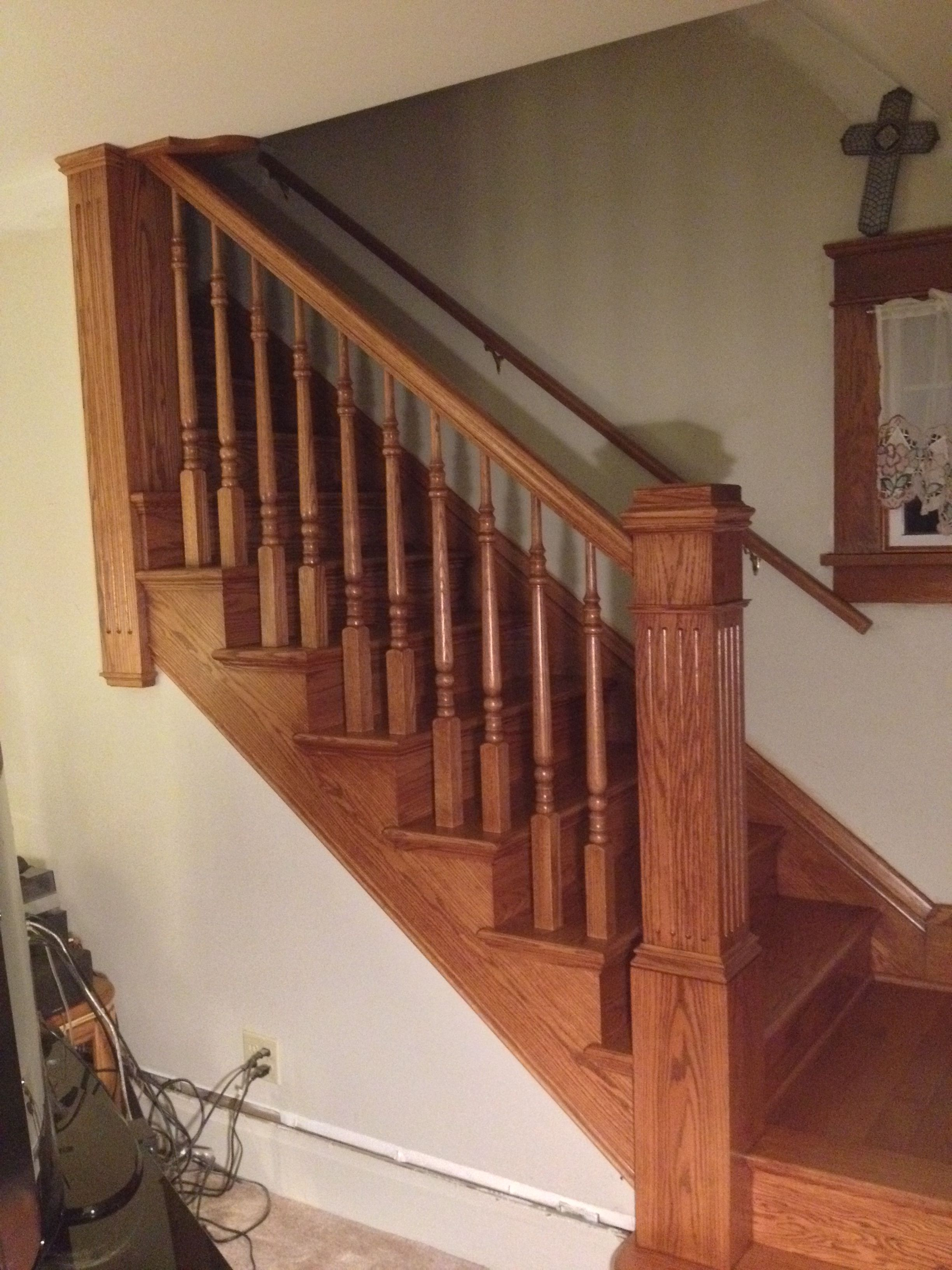Best Traditional Red Oak Knee Wall Stair Case With Lj6210 400 x 300
