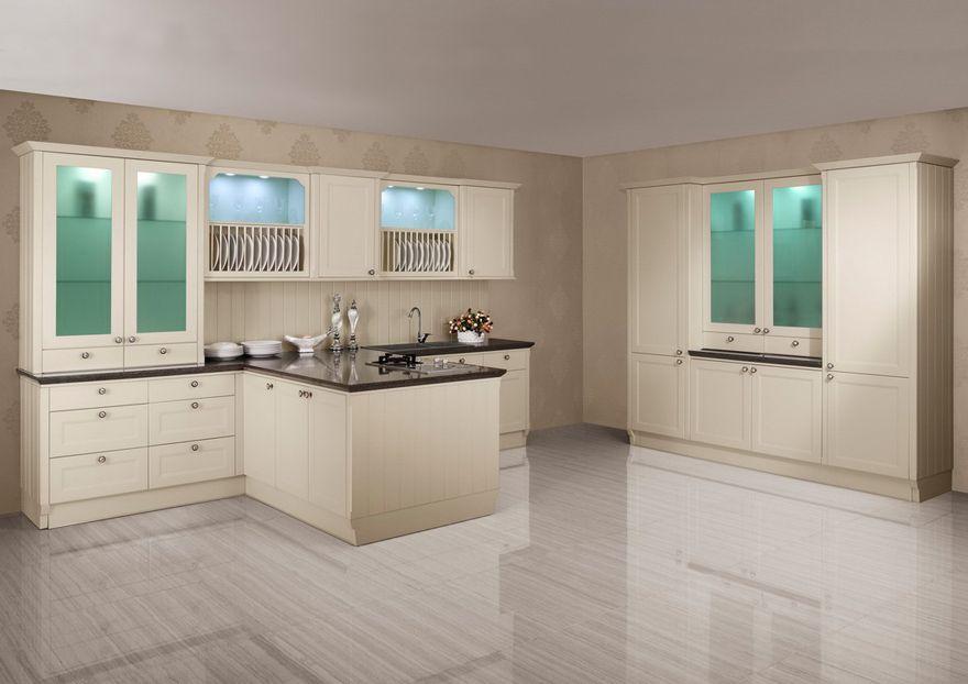Casabella | Cocina en PVC color hueso con vidrios esmerilados e ...