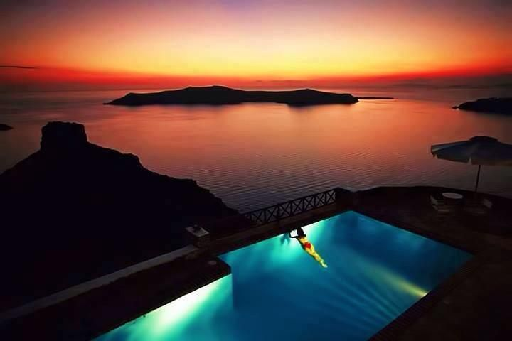 A dip in the pool in Santorini during the evening. Ahhh!!