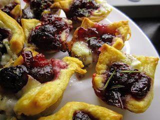 Cranberry Brie Bites #cranberrybriebites Cranberry Brie Bites #cranberrybriebites
