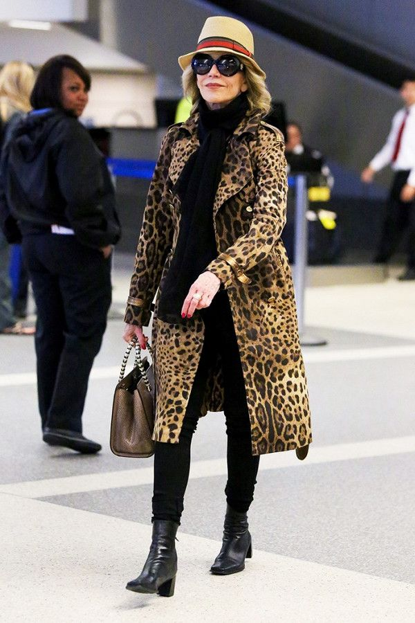Jane Fonda proving that skinny jeans are timeless.