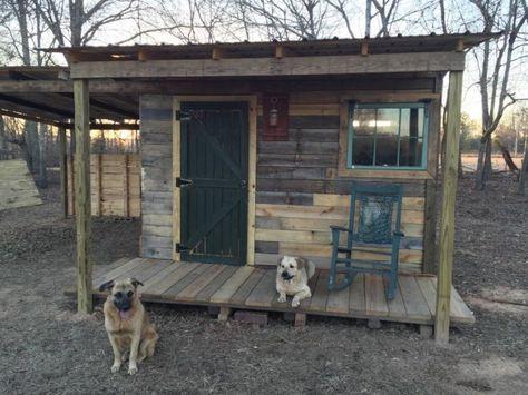 Man Builds 12 12 Tiny Pallet Cabin With Free Pallet Wood กระท อมน อย งานไม กระท อมหล งเล ก
