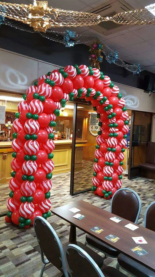 Quick Link Arch W Red And White Spray Pattern Balloons