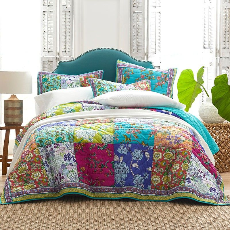 Barlow Floral Cotton Patchwork Quilt The Company Store Outdoor Cushions And Pillows Quilted Coverlet Rug Buying Guide