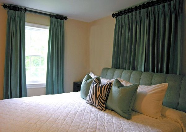 Cream Walls With Solid Teal Curtains Bedroom Colors