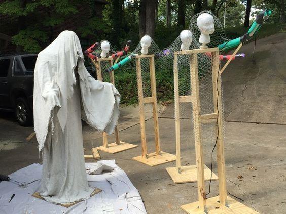 36 DIY Scary Halloween Decorations Outdoor and Garden DIY