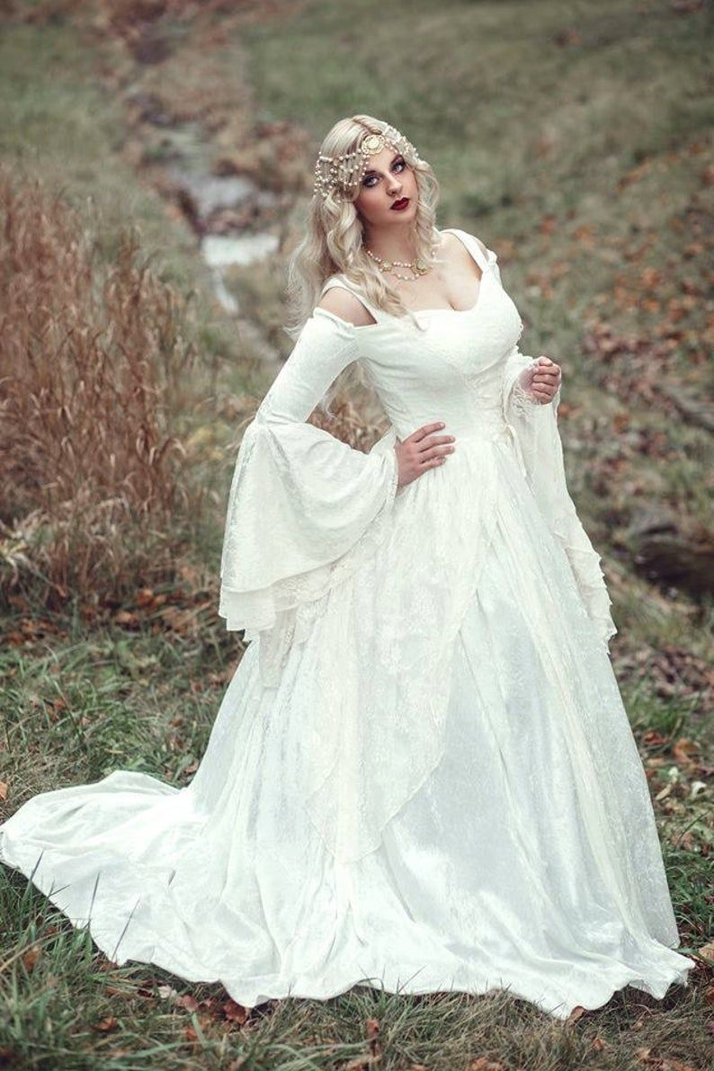 Limited Time Custom Gwendolyn Princess Fairy Medieval Velvet And Lace Wedding Gown White Ivory Or Black Xs Xl In 2021 Medieval Wedding Dress Celtic Wedding Dress Wedding Gowns Lace [ 1191 x 794 Pixel ]