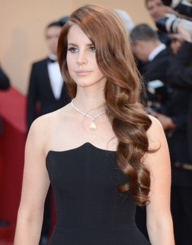 How Unbelievably Gorgeous Does Lana Del Rey S Hair Look Here Auburn Hair Lana Del Rey Hair Hair Beauty