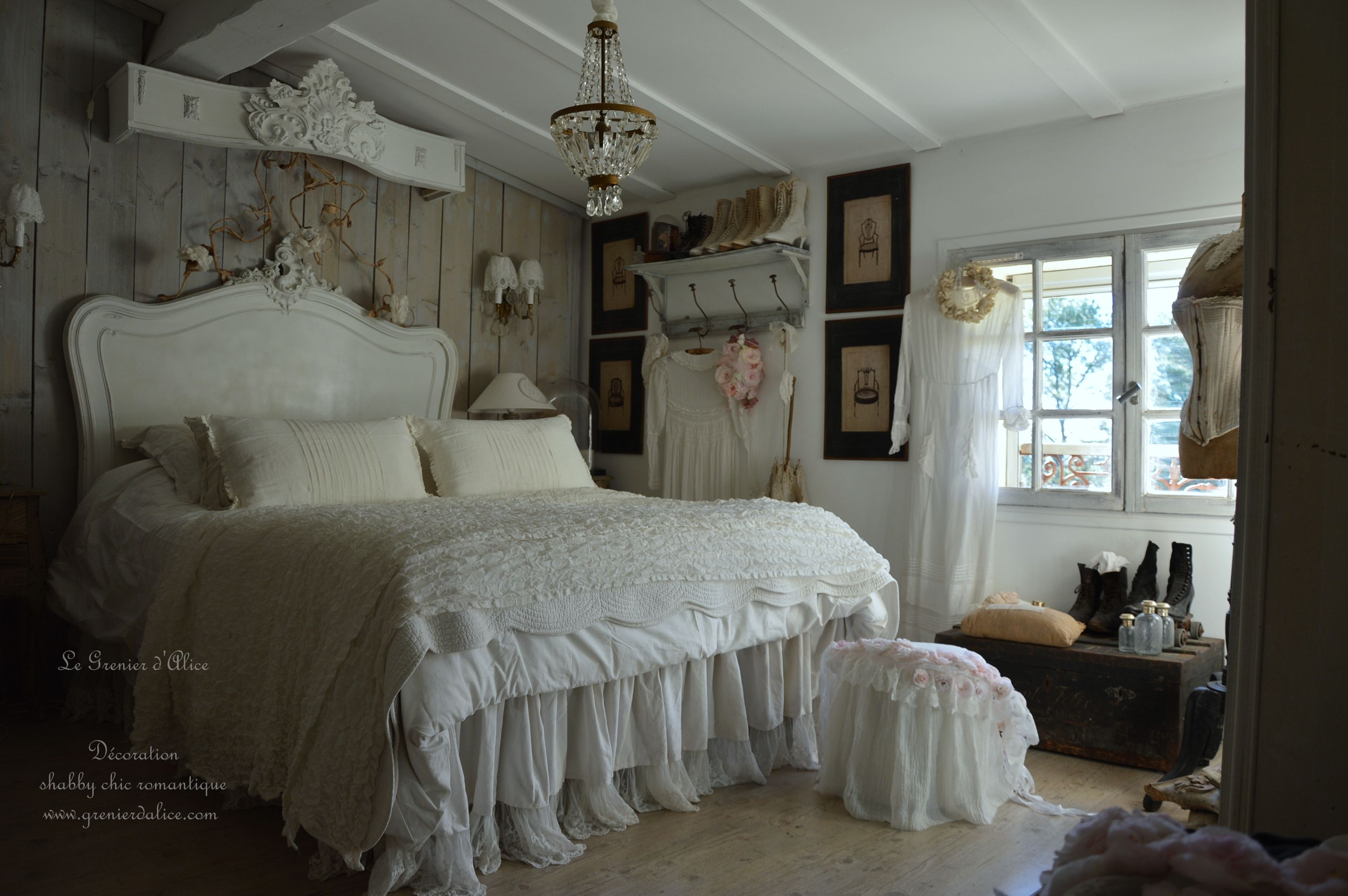 chambre romantique shabby chic nordique chambre de charme. Black Bedroom Furniture Sets. Home Design Ideas
